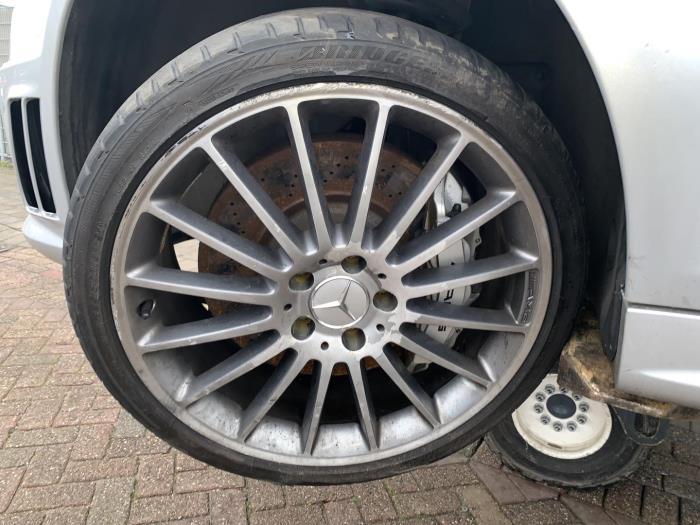Gebruikte Mercedes C W204 62 C 63 Amg V8 32v Velgen Set