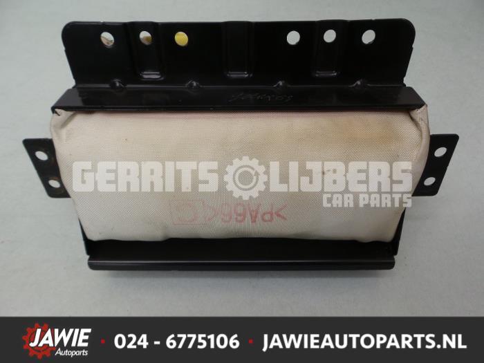 Airbag rechts (Dashboard) - 7deb55d0-2206-438c-9f23-42f47c85f7d3.jpg