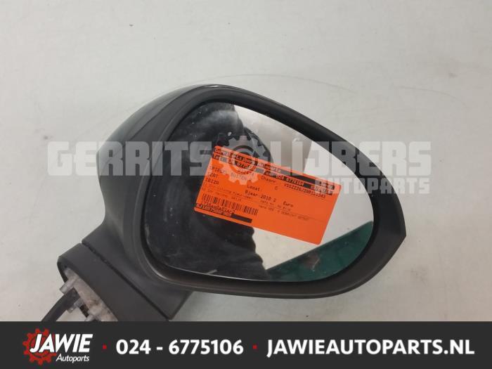 Buitenspiegel rechts - 20aa19a1-0cfd-4198-a8d6-9c26c59ca81e.jpg