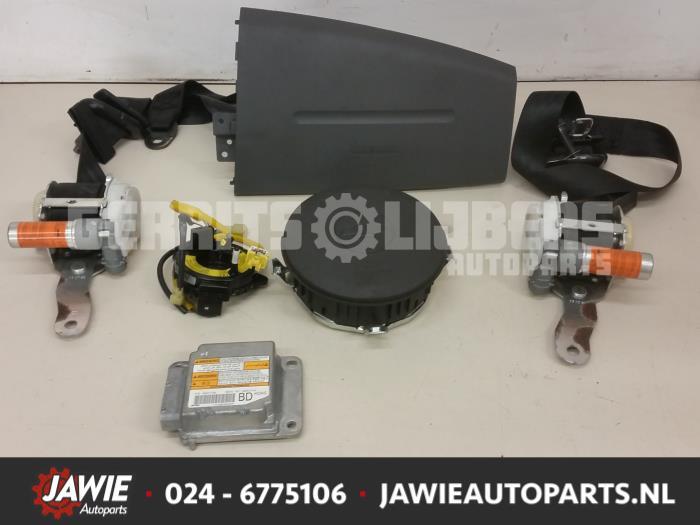 Airbag Set+Module - 08ae2fab-1e2c-4635-ae34-e3d759dd8357.jpg