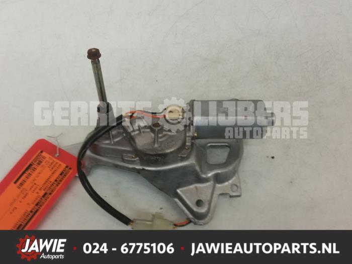Ruitenwissermotor achter - d9859de7-67a2-4c73-b577-2e9dabc3831e.jpg