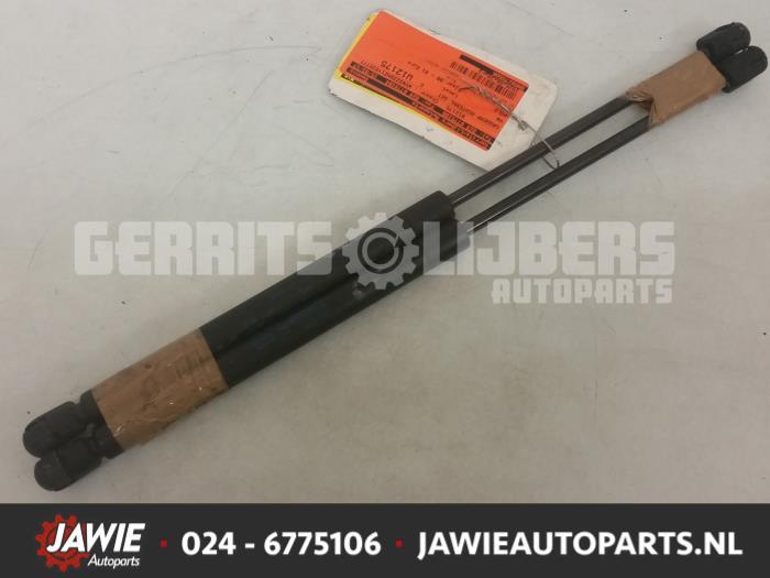 Set Gasdempers Achterklep - 72c762fc-1a81-4a55-96b2-624295074611.jpg