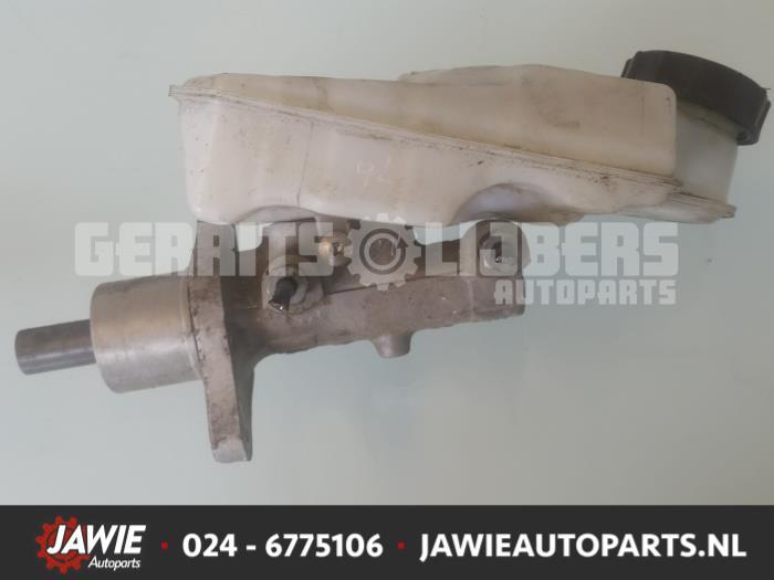 Hoofdremcilinder - d7b93bb9-f3e3-441b-8805-df7af6244df6.jpg