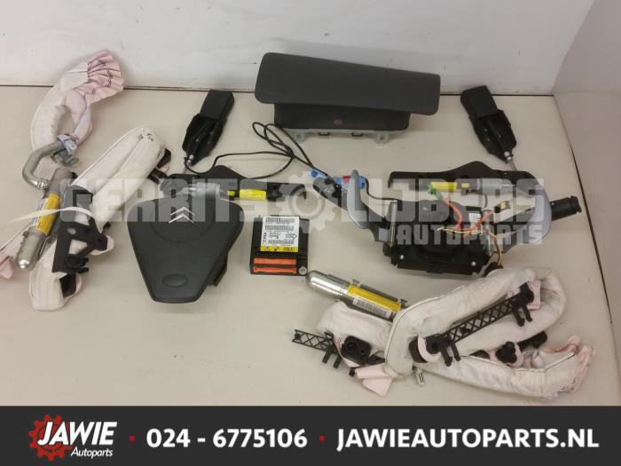 Airbag Set+Module - 142275c5-d9ff-471c-aa0d-b629604fb864.jpg