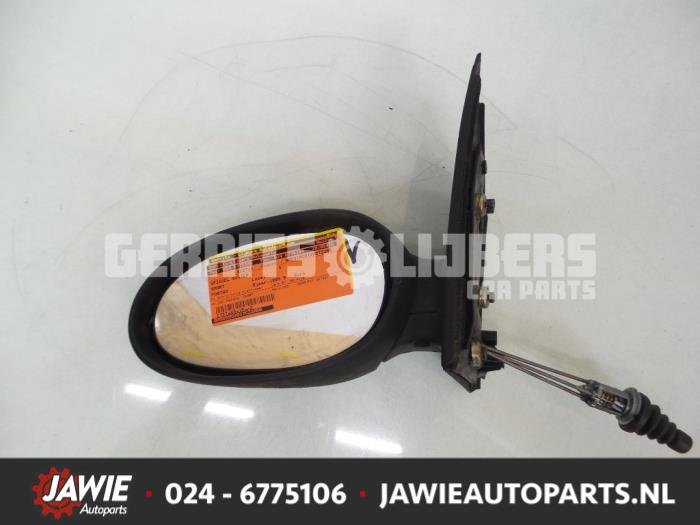 Buitenspiegel links - cb662e76-4663-4348-801c-06ade8efd56f.jpg