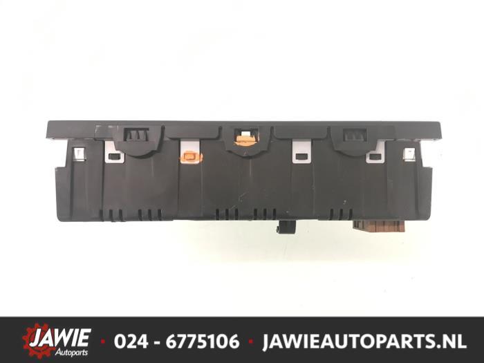 Gebruikte citroen c3 sc 1 4 16v vti display interieur for Auto onderdelen interieur