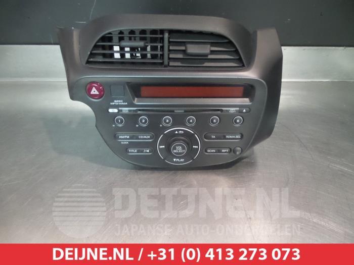 radio 39101th5g600xa v deijne jap auto onderdelen bv. Black Bedroom Furniture Sets. Home Design Ideas