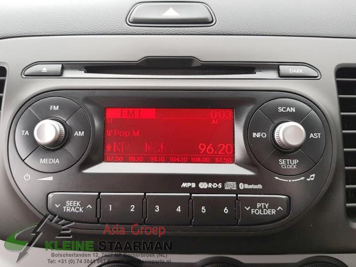 Radio CD Speler van een Kia Picanto (TA) 1.0 12V 2014