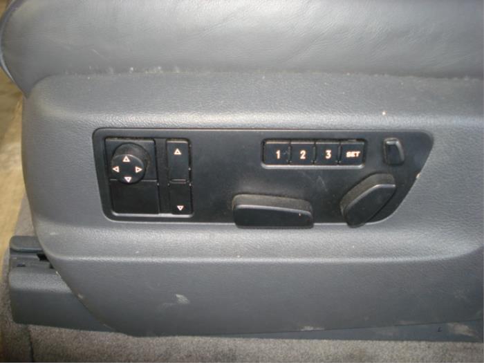 Gebruikte volkswagen touareg 7la 7l6 5 0 tdi v10 for Auto onderdelen interieur