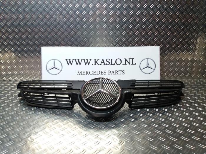 Gebruikte Mercedes Slk R171 1 8 200 K 16v Grille A1718880060