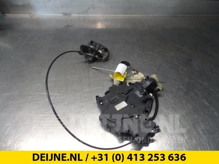 Schuifdeur Slotmechaniek rechts - Volkswagen Caddy