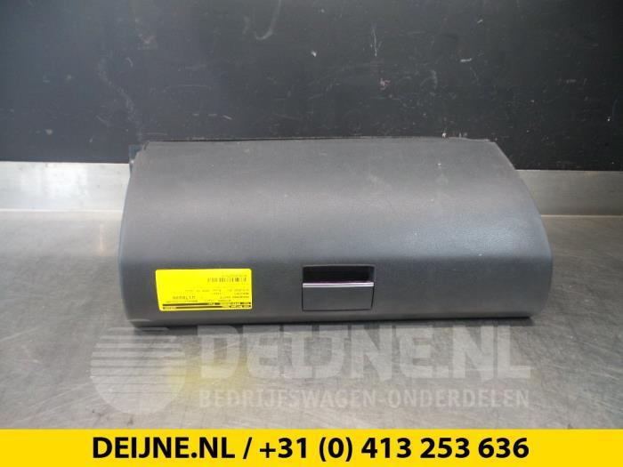 Dashboardkastje - Mercedes B-Klasse