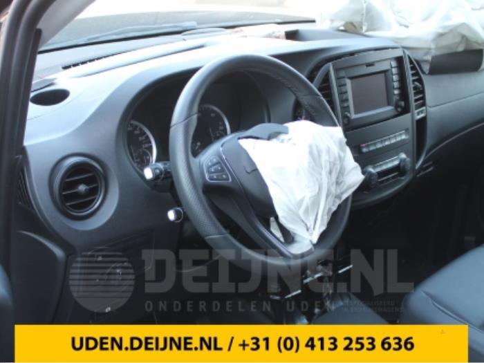 Dashboard - Mercedes Vito