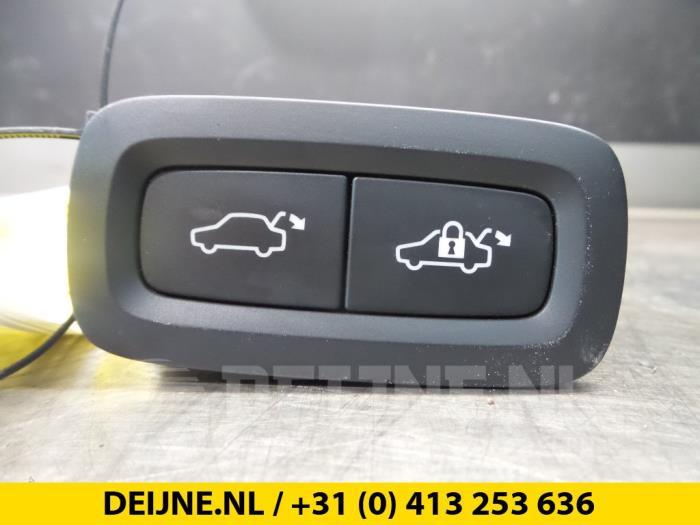 Schakelaar achterklep - Volvo V90