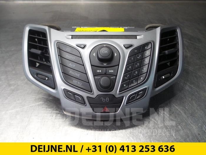 Radiobedienings paneel - Ford Fiesta