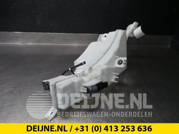 Ruitensproeiertank voor - Volvo XC90