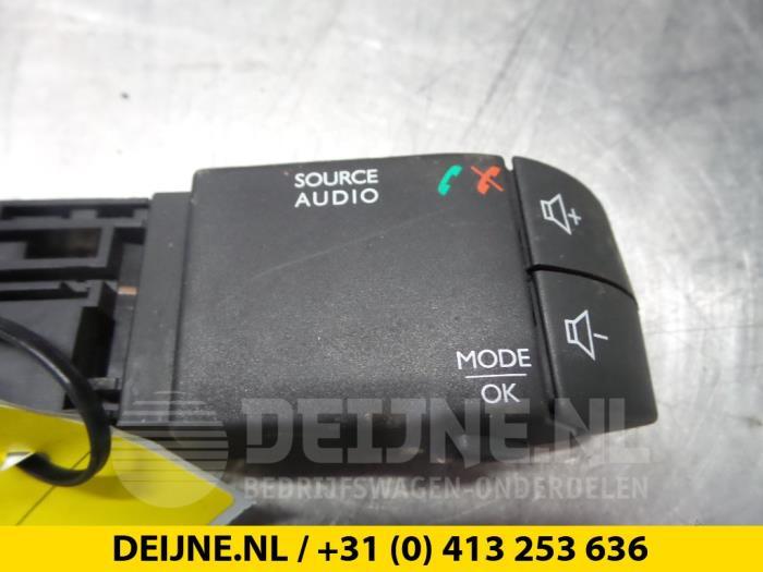 Radiobediening Stuur - Renault Trafic