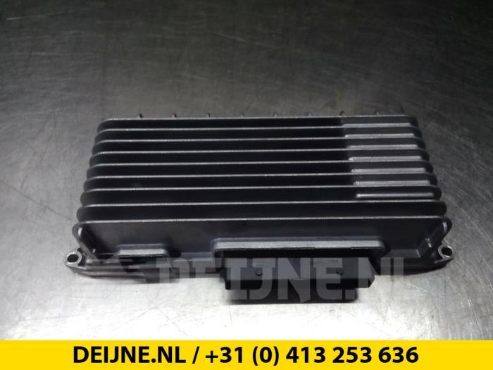 Radio versterker - Audi A6