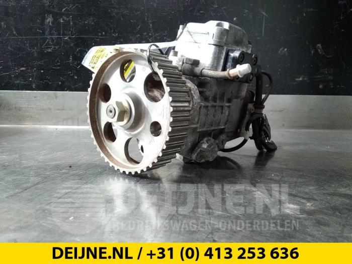 Brandstofpomp Mechanisch - Volkswagen Caddy