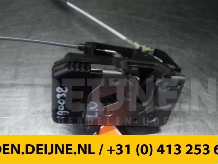 Deurslot Mechaniek 4Deurs links-voor - Opel Zafira
