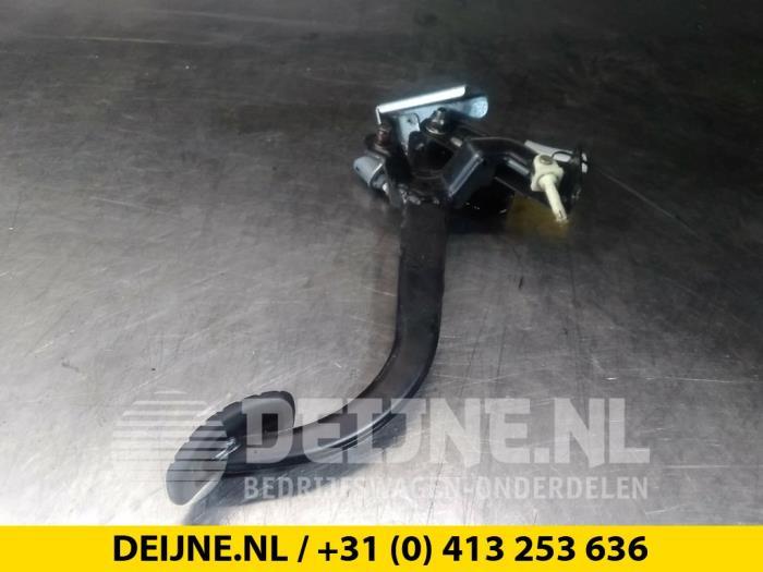 Koppelingspedaal - Renault Trafic