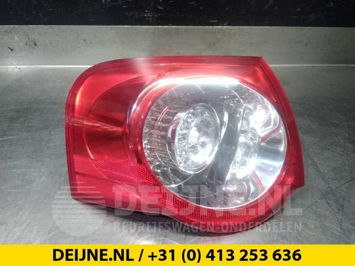 Achterlichtrand links - Volkswagen Passat