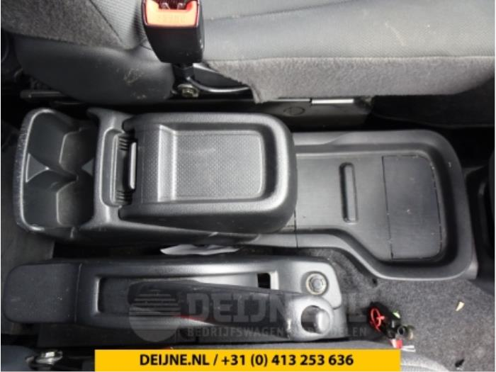 Middenconsoles - Nissan NV200