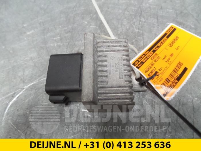 Voorgloei Relais - Renault Clio
