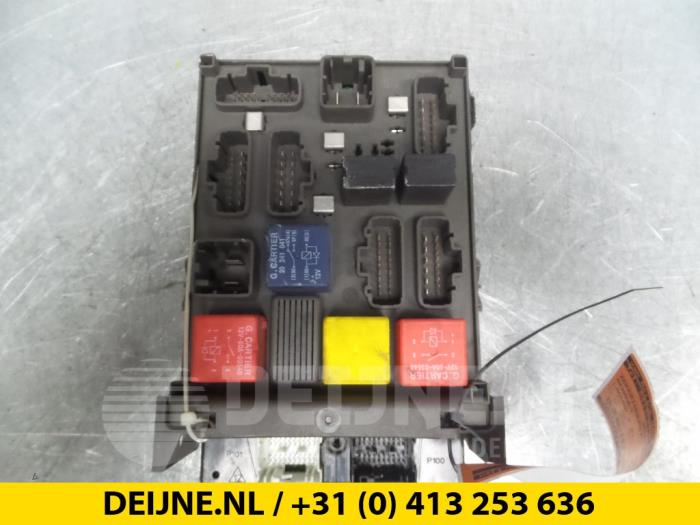 Zekeringkast - Renault Laguna