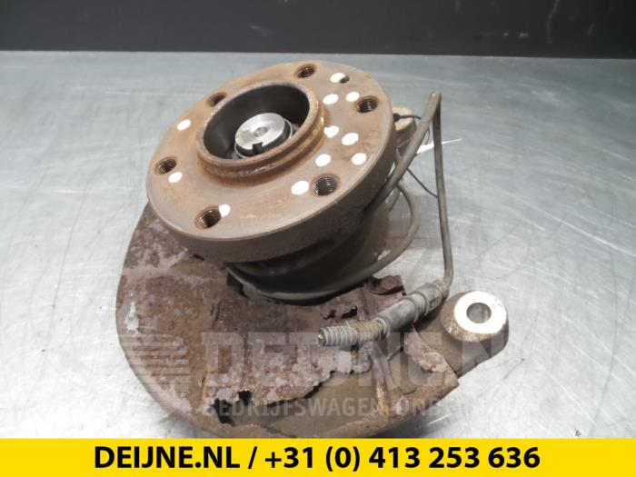 Fusee houder links-voor - Iveco New Daily
