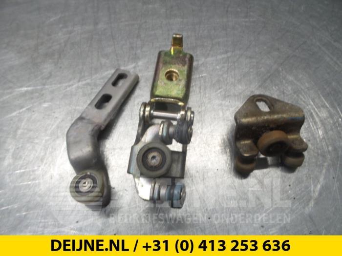 Schuifdeurrol rechts - Volkswagen LT