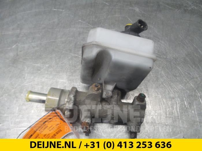Hoofdremcilinder - Renault Master