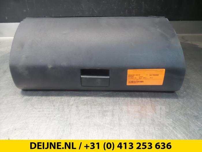 Dashboardkastje - Mercedes A-Klasse