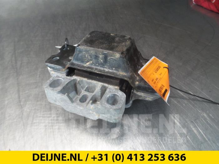 Motorsteun - Volkswagen Passat