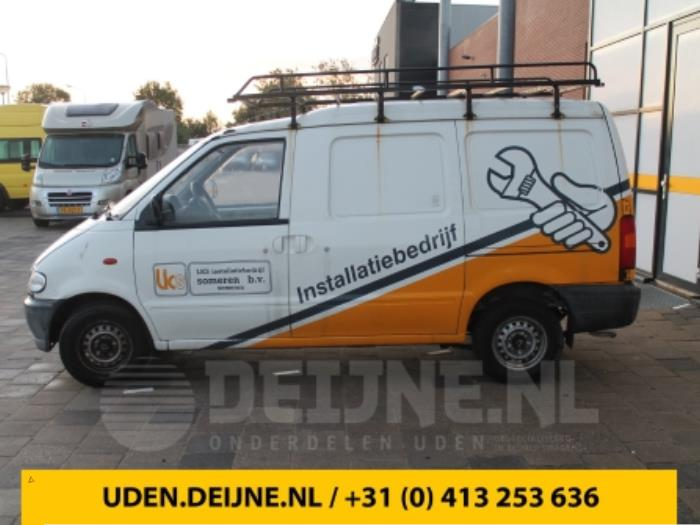 Portier 2Deurs links - Nissan Vanette