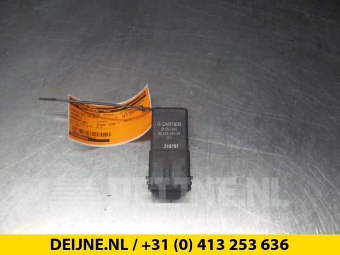 Voorgloei Relais - Renault Kangoo