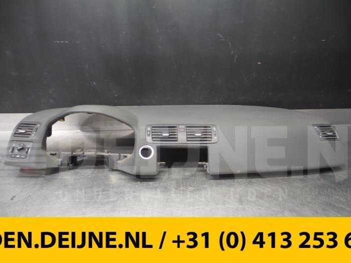 Dashboard - Volvo V50