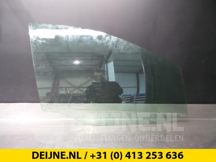 Portierruit 4Deurs rechts-voor - Mercedes B-Klasse