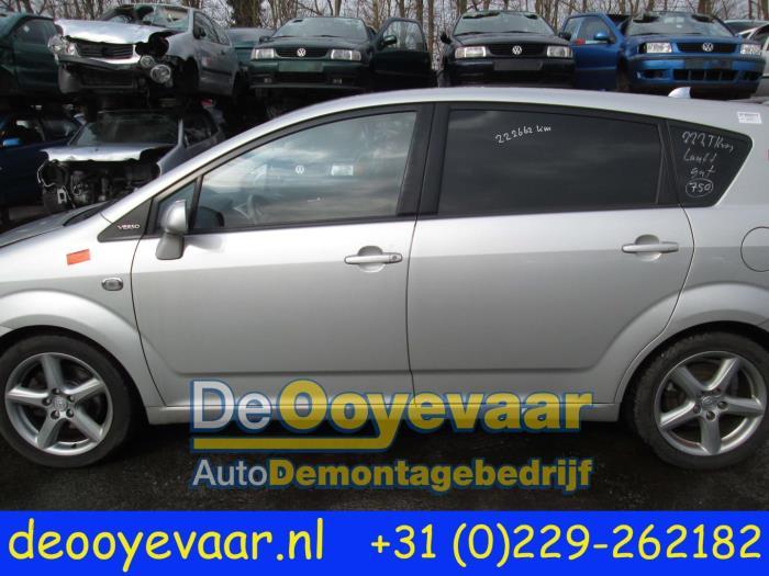 Toyota Verso Nieuw Model >> Gebruikte Toyota Corolla Verso (R10/11) 2.2 D-4D 16V Deur 4Deurs links-achter kleurcode 03A ...