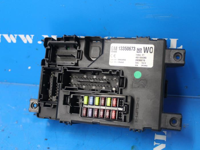 gm fuse box disassembly fuse box for opel corsa 13350673 g1am433rx3 401154265 28269215  fuse box for opel corsa 13350673