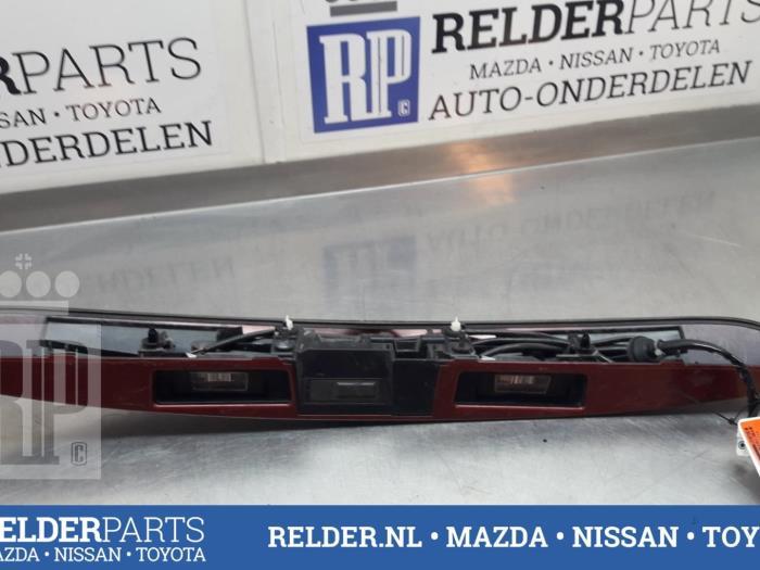 Nissan Juke (F15) 1.6 16V 2011 Achterklep Handgreep (klik op de afbeelding voor de volgende foto)