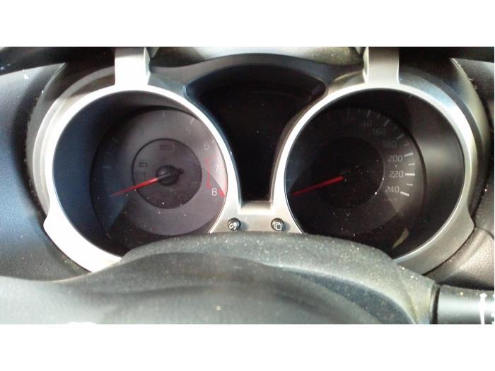 Nissan Juke (F15) 1.6 16V 2011 Instrumentenpaneel (klik op de afbeelding voor de volgende foto)