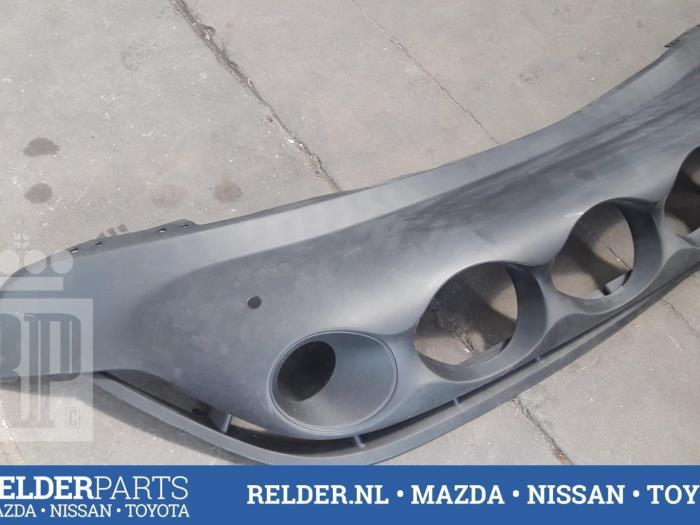 Nissan Juke (F15) 1.6 DIG-T 16V 2011 Voorbumper (klik op de afbeelding voor de volgende foto)