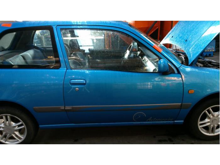 Toyota Starlet (EP9) 1.3,XLi,GLi 16V 1997 Deur 2Deurs rechts (klik op de afbeelding voor de volgende foto)