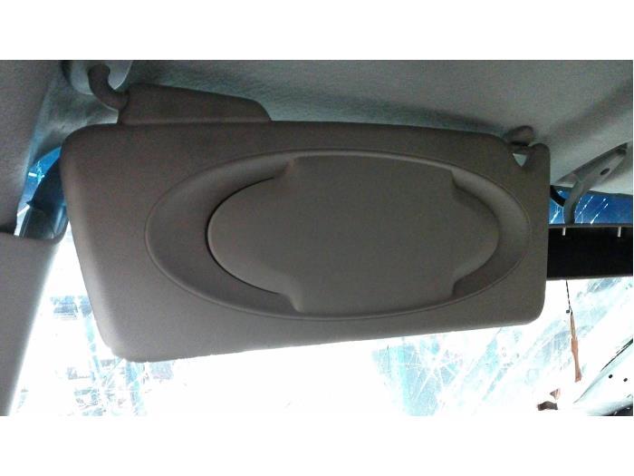 Nissan NV 200 Evalia (M20M) 1.5 dCi 90 2014 Zonneklep (klik op de afbeelding voor de volgende foto)