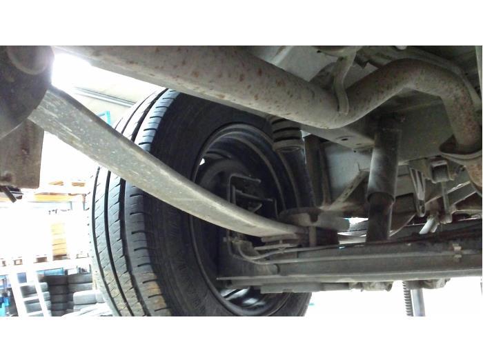 Nissan NV 200 Evalia (M20M) 1.5 dCi 90 2014 Bladveer achter (klik op de afbeelding voor de volgende foto)