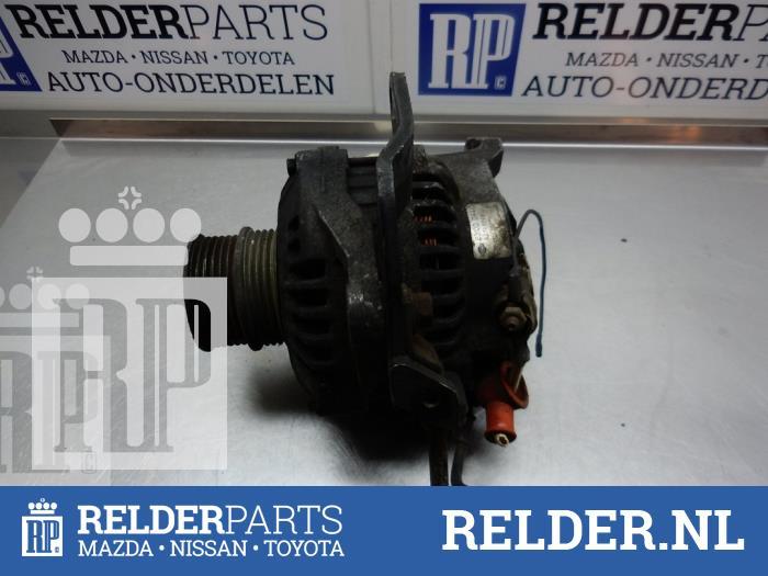 Nissan Bluebird (T12/T72) 1.8 SGX Turbo 1987 Alternator (klik op de afbeelding voor de volgende foto)