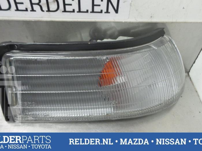 Mazda 626 (GD14/74/84) 1.8 Kat. 1989 Richtingaanwijzer rechts (klik op de afbeelding voor de volgende foto)