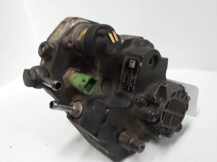 Mazda BT-50 2.5 Di 16V 4x4 2011 Brandstofpomp Mechanisch (klik op de afbeelding voor de volgende foto)