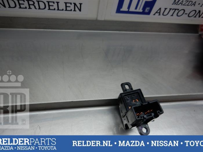 Mazda BT-50 2.5 Di 16V 4x4 2011 Elektrisch Raam Schakelaar (klik op de afbeelding voor de volgende foto)